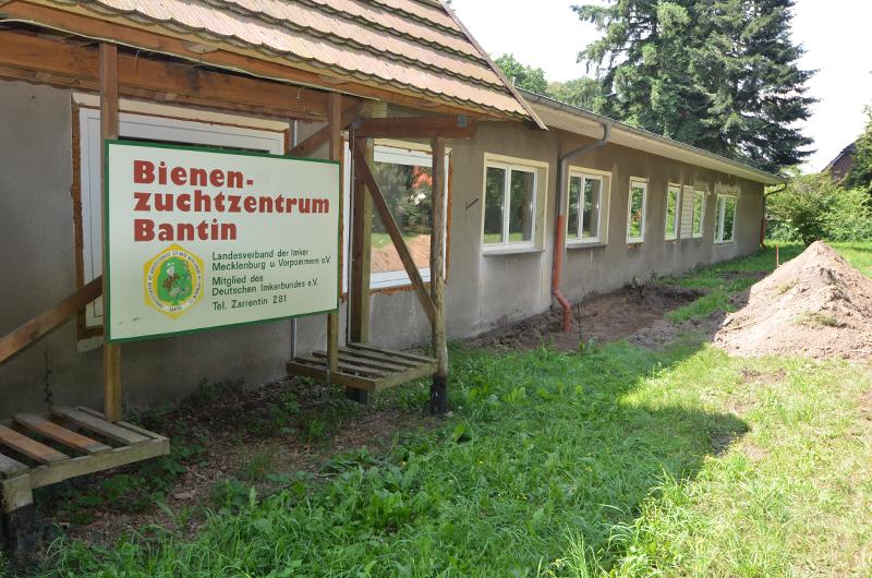 APINEUM - Bienenzuchtzentrum Bantin